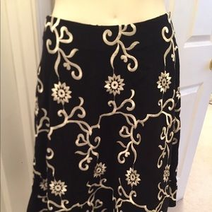 Betsey Johnson A-line embroidered skirt
